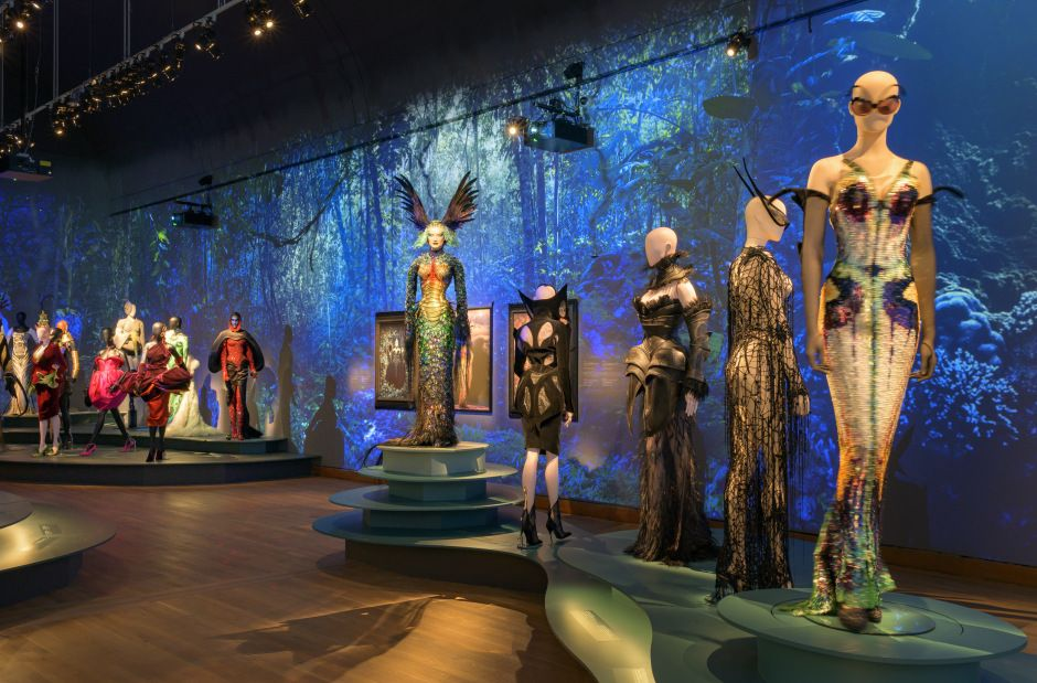 thierry-mugler-exhibition-coming-to-paris