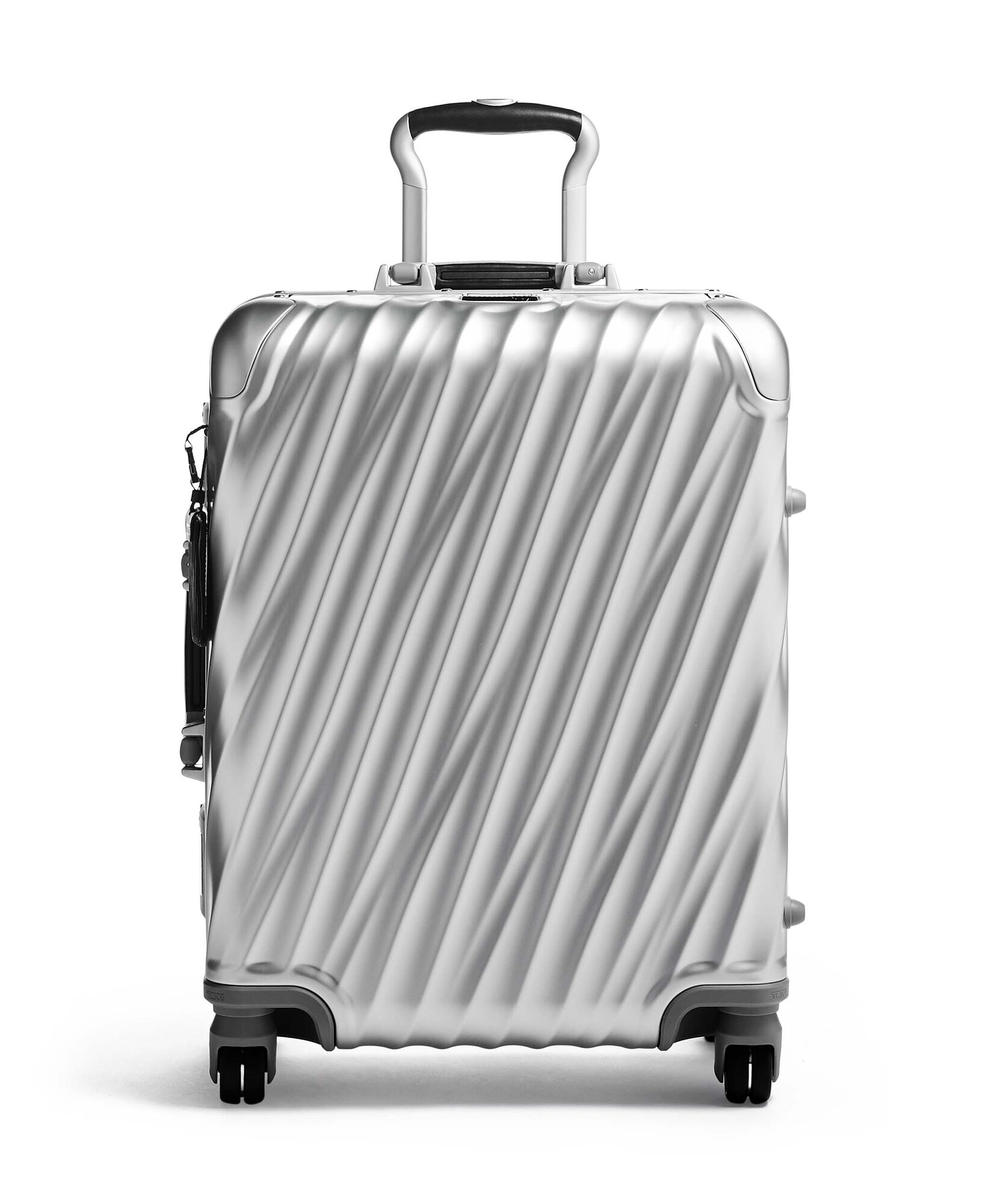 shop-top-desinger-suitcases-for-your-summer-vacation-tumi-case